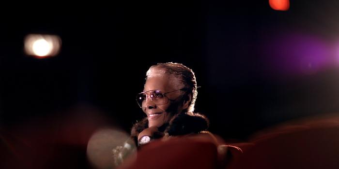 Dionne Warwick, icona tra musica e coraggio