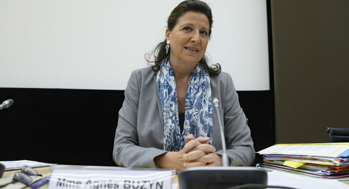 Ex ministra francese indagata per gestione pandemia