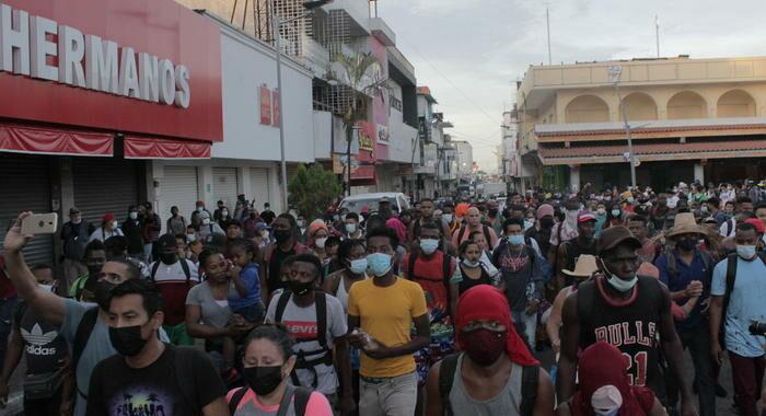Messico: polizia disperde carovana di 400 migranti