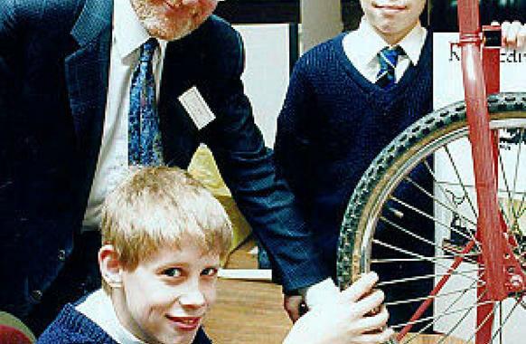 Muore a 81 anni Sir Clive Sinclair, pioniere home computing