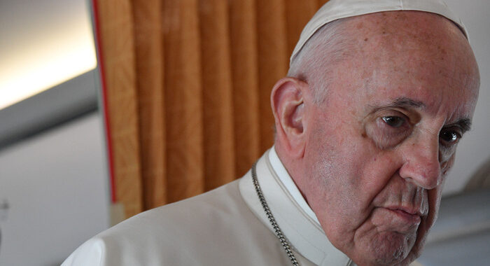 Pedofilia: Papa, atti crudeli, Chiesa chieda perdono