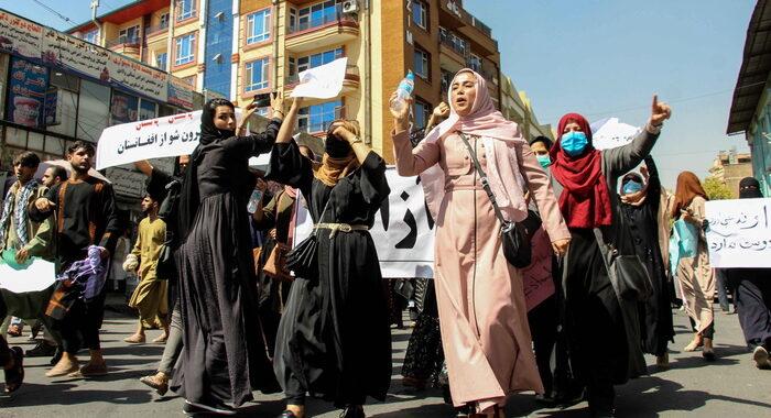 Talebani vietano ogni manifestazione non autorizzata