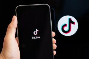 TikTok raggiunge traguardo 1 miliardo utenti attivi al mese