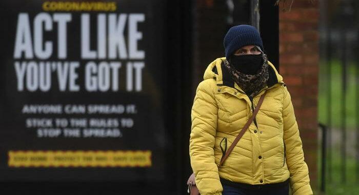 Tornano a calare i morti in Gb, ma i contagi risalgono a 38.000