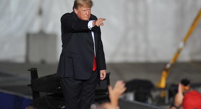 Trump annuncia il lancio di un suo social media, 'Truth'
